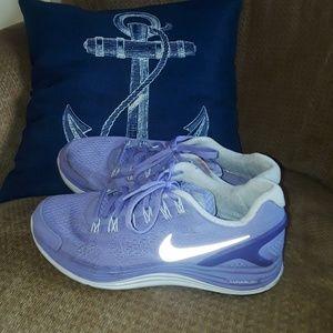 Women's size 9 purple Nike sneakers